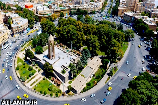 آرامگاه ابوعلی سینا شهر همدان نزدیک شهرداری