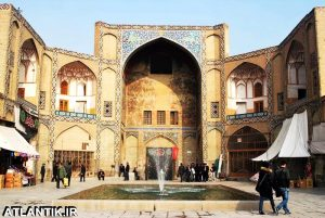 نماد سردر بازار قیصریه اصفهان